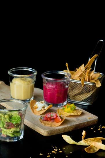 """Trio de patés vegetals amb """"fritos"""" casolans"""