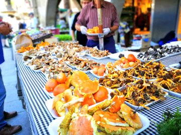 Tardor al mercat: bolets